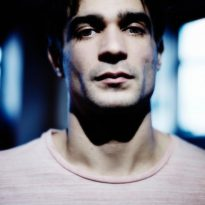 "JON HOPKINS SHARES HIS ""CENTREPIECE"" TO SINGULARITY"